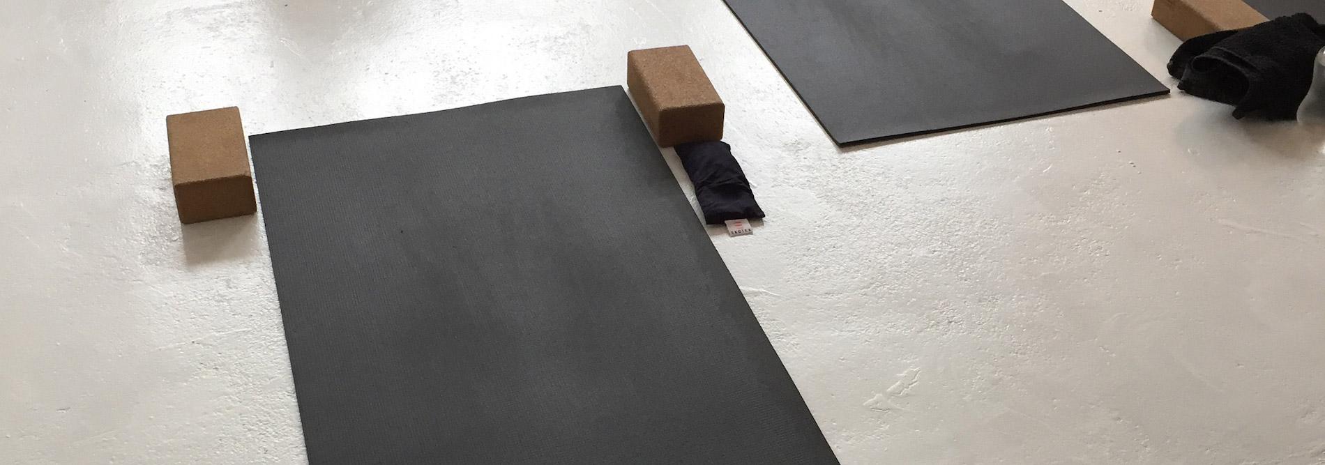 Formation: Sampoorna yoga